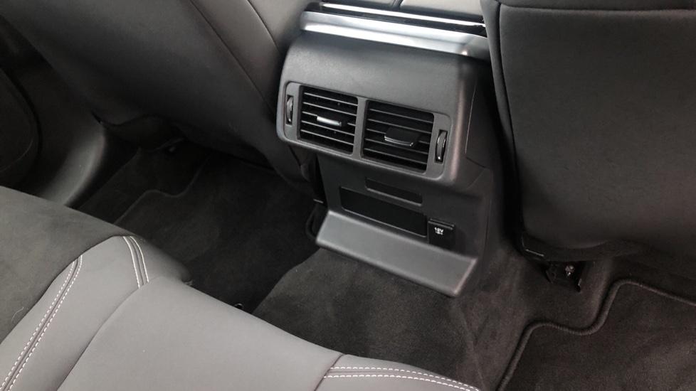 Land Rover Range Rover Velar 2.0 D180 5dr image 12