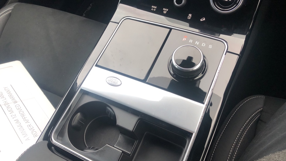 Land Rover Range Rover Velar 2.0 D180 5dr image 29