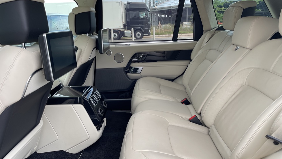 Land Rover Range Rover 3.0 P400 Autobiography LWB 4dr Auto Head-up Display 10 inch Rear Seat Entertainment image 4