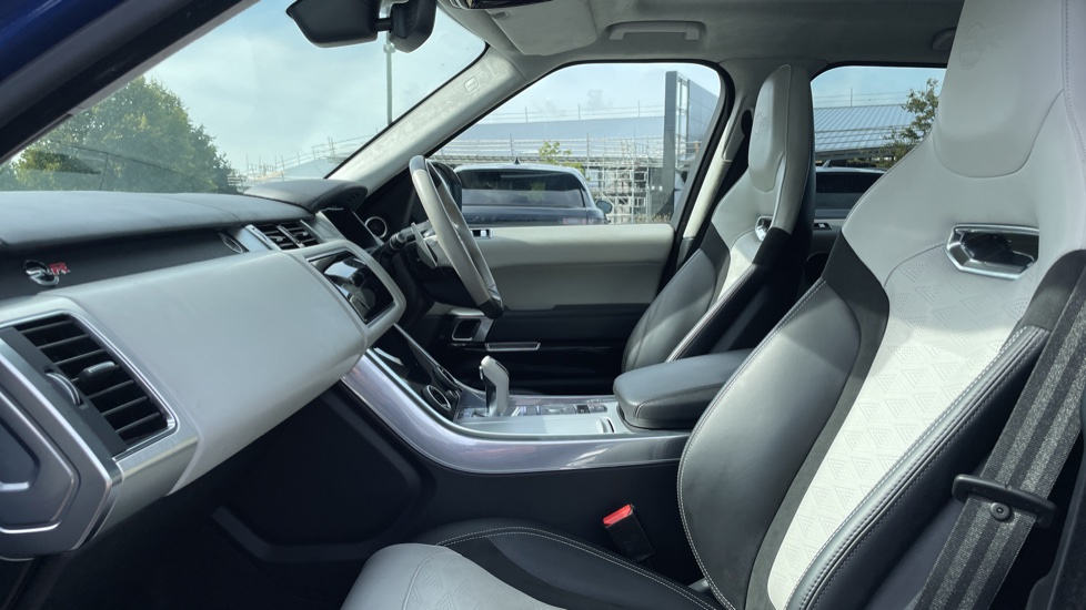 Land Rover Range Rover Sport 5.0 V8 S/C 575 SVR 5dr Adaptive Cruise Control with Stop & Go Heated steering wheel image 3