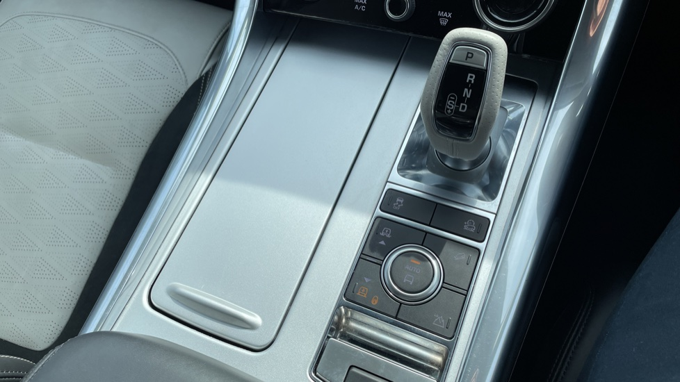 Land Rover Range Rover Sport 5.0 V8 S/C 575 SVR 5dr Adaptive Cruise Control with Stop & Go Heated steering wheel image 36