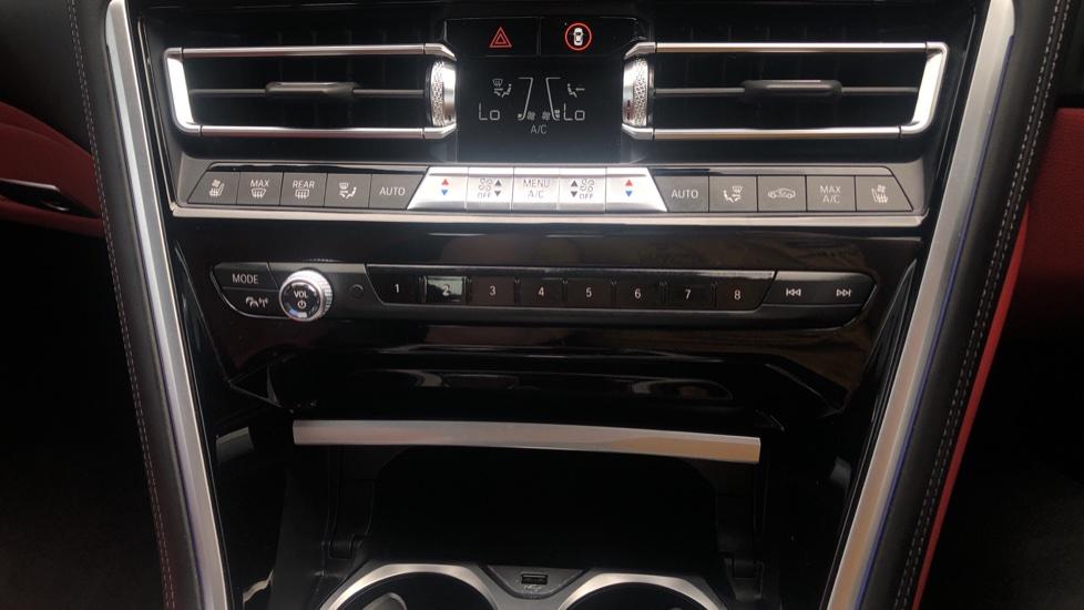 BMW M Series 840d xDrive 2dr image 29
