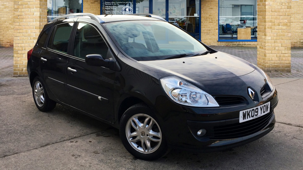 Used Renault CLIO Estate 1.5 TD Dynamique Sport Tourer 5dr