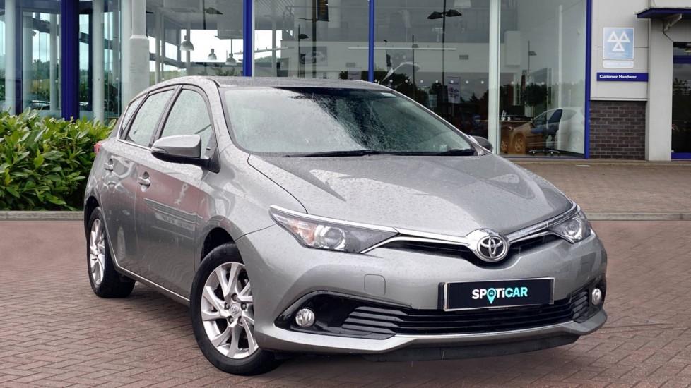 Used Toyota Auris Hatchback 1.2 VVT-i Icon Tech (s/s) 5dr