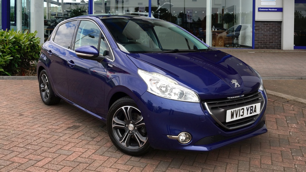 Used Peugeot 208 Hatchback 1.2 VTi Intuitive 5dr