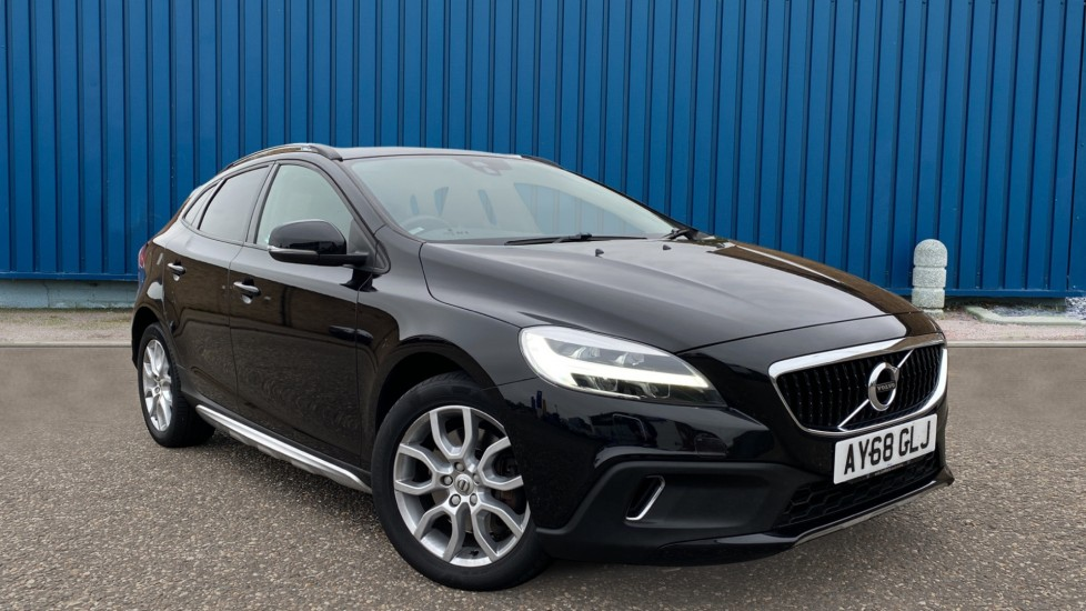 Used Volvo V40 Cross Country Hatchback 1.5 T3 GPF Nav Plus Auto (s/s) 5dr