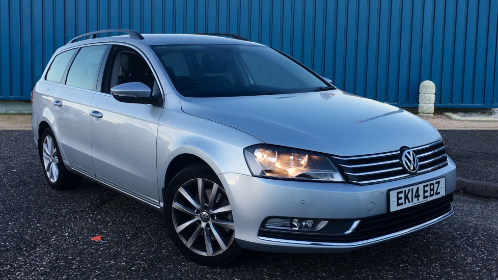 Used Volkswagen PASSAT Estate 2.0 TDI BlueMotion Tech Executive 5dr