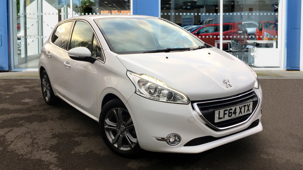 Used Peugeot 208 Hatchback 1.2 VTi Allure 5dr