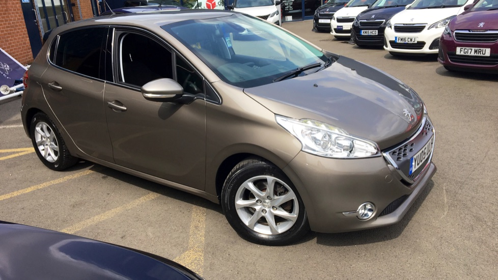 Used Peugeot 208 Hatchback 1.4 e-HDi FAP Allure EGC (s/s) 5dr