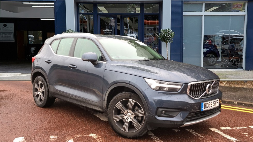 Used Volvo XC40 SUV 2.0 T5 Inscription Auto AWD (s/s) 5dr