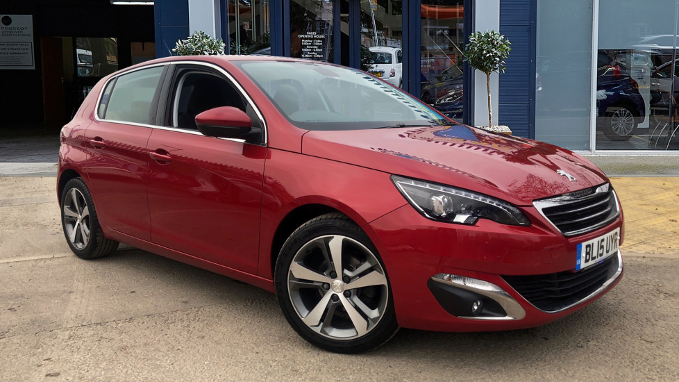 Used Peugeot 308 Hatchback 1.2 e-THP PureTech Allure (s/s) 5dr
