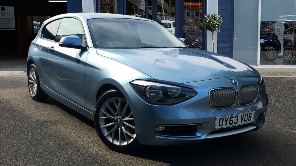 Used BMW 1 SERIES Hatchback 2.0 116d Urban Sports Hatch 3dr (start/stop)