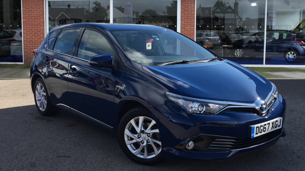 Used Toyota Auris Hatchback 1.8 VVT-h Business Edition CVT (s/s) 5dr (Safety Sense)