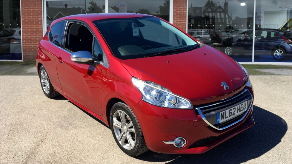 Used Peugeot 208 Hatchback 1.2 VTi Allure 3dr