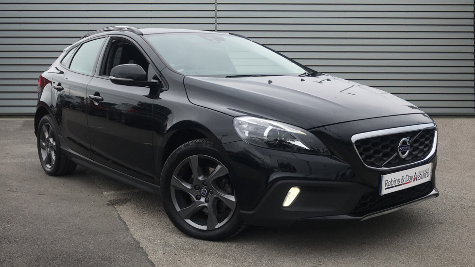 Used Volvo V40 CROSS COUNTRY Hatchback 1.6 D2 Lux Cross Country Powershift (s/s) 5dr