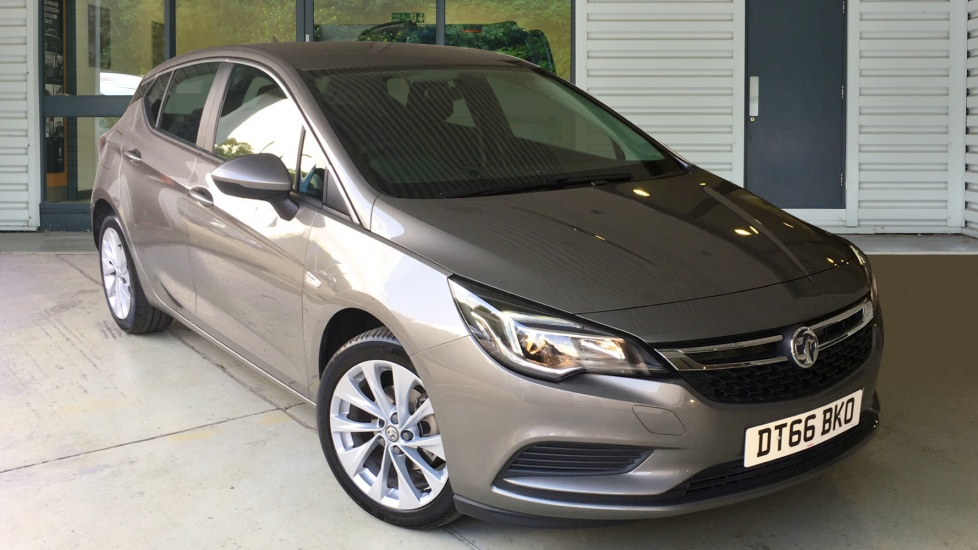 Used Vauxhall ASTRA Hatchback 1.4 i 16v Turbo Tech Line Hatchback Auto 5dr (start/stop)