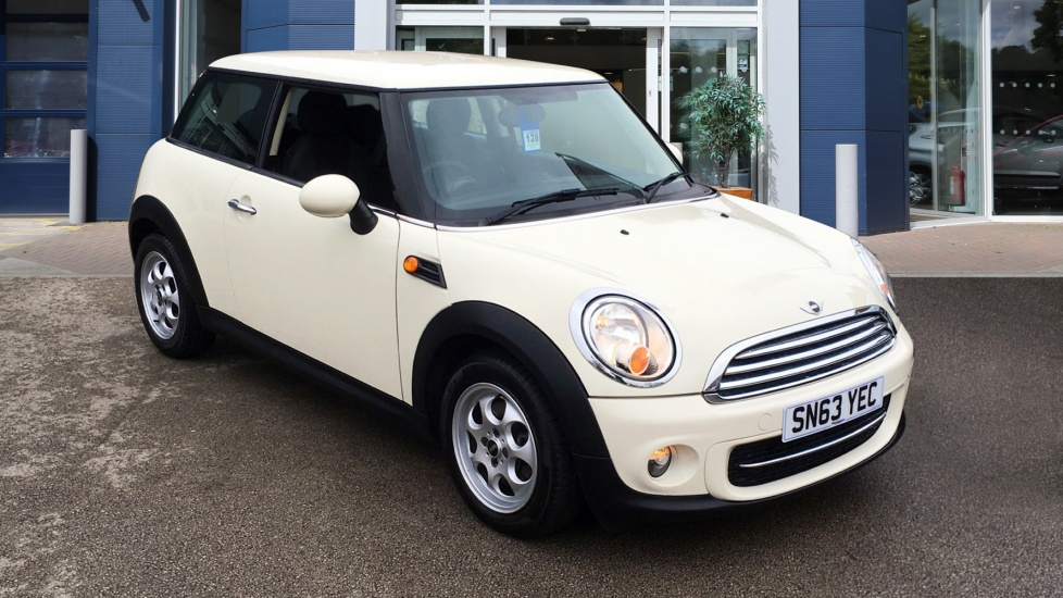 Used Mini HATCH Hatchback 1.6 TD Cooper D (Chili pack) 3dr