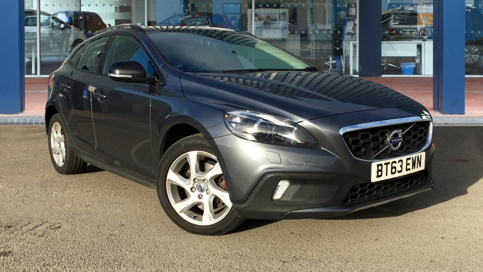 Used Volvo V40 CROSS COUNTRY Hatchback 1.6 D2 Lux Powershift 5dr (start/stop)
