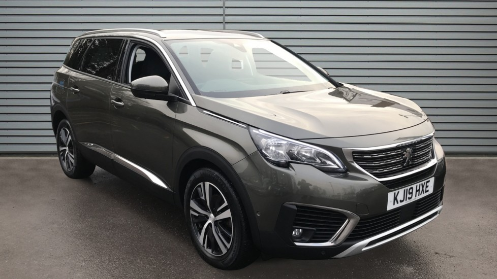 Used Peugeot 5008 SUV 1.2 PureTech Allure (s/s) 5dr