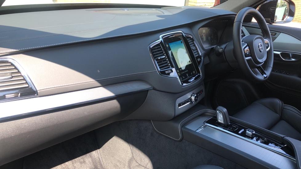 Volvo XC90 B5D Mild Hybrid R Design Pro AWD Auto, Nav, Head Up Display, Rear Camera, F & R Sensors image 11
