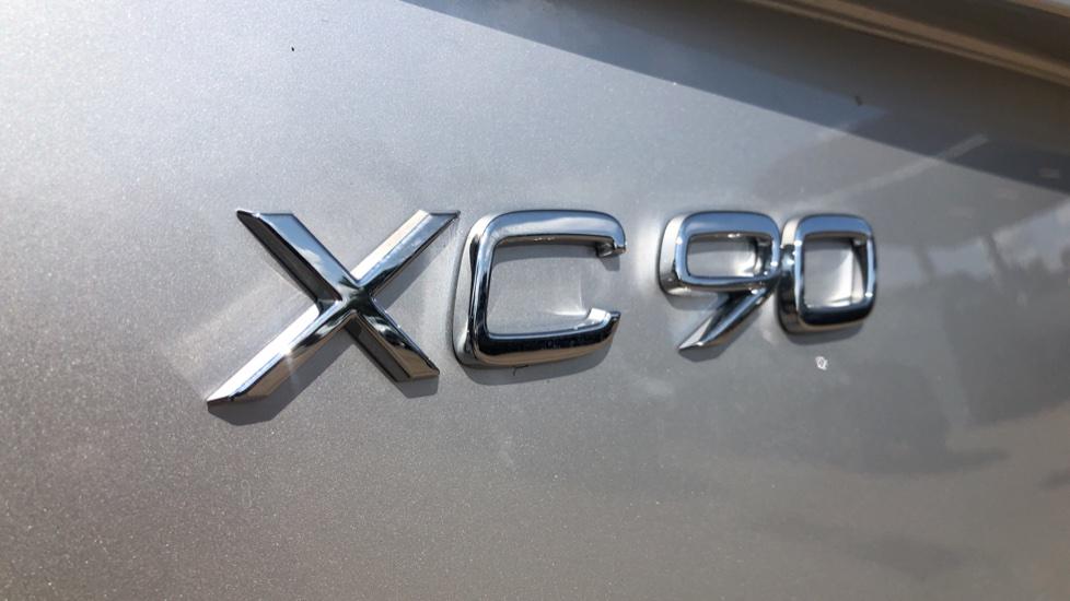 Volvo XC90 B5D Mild Hybrid R Design Pro AWD Auto, Nav, Head Up Display, Rear Camera, F & R Sensors image 41