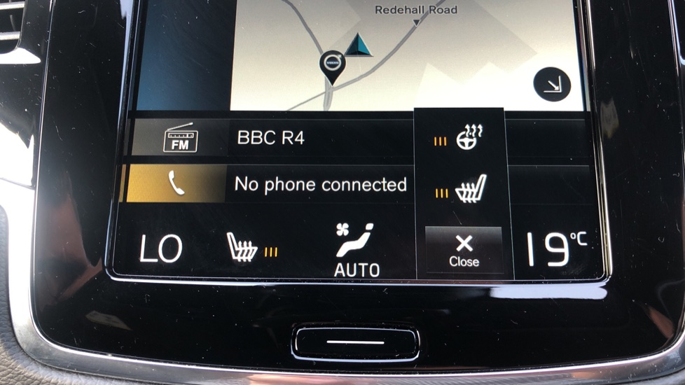 Volvo XC90 B5D Mild Hybrid R Design Pro AWD Auto, Nav, Head Up Display, Rear Camera, F & R Sensors image 20