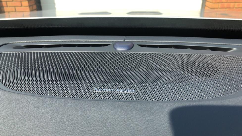 Volvo XC90 B5D Mild Hybrid R Design Pro AWD Auto, Nav, Head Up Display, Rear Camera, F & R Sensors image 9