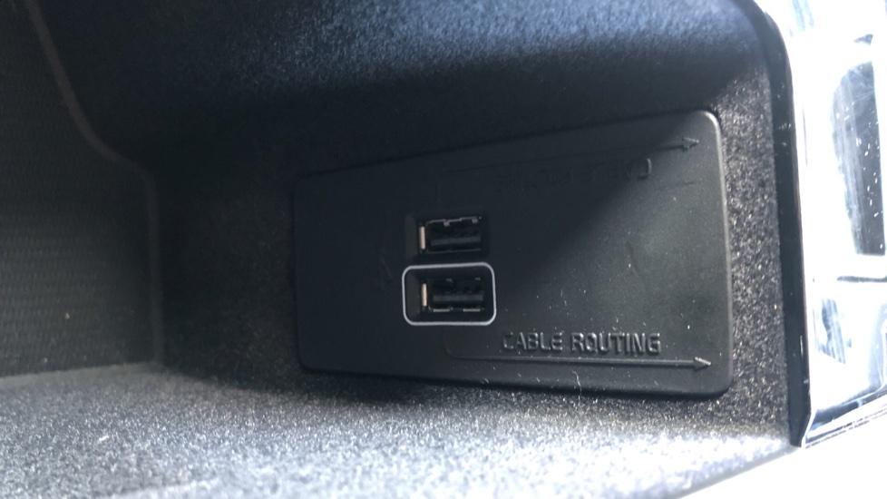 Volvo XC90 B5D Mild Hybrid R Design Pro AWD Auto, Nav, Head Up Display, Rear Camera, F & R Sensors image 27