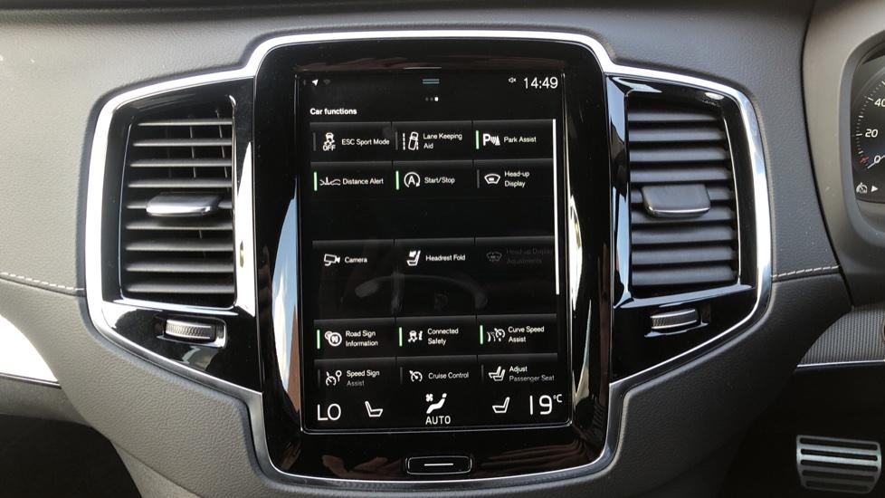 Volvo XC90 B5D Mild Hybrid R Design Pro AWD Auto, Nav, Head Up Display, Rear Camera, F & R Sensors image 25