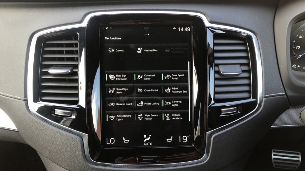 Volvo XC90 B5D Mild Hybrid R Design Pro AWD Auto, Nav, Head Up Display, Rear Camera, F & R Sensors image 26