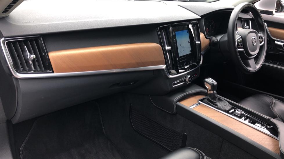 Volvo S90 D4 Inscription Auto, Nav, Winter Pack, Heated Screen, Heated Steering Wheel, DAB, Adaptive Cruise image 9