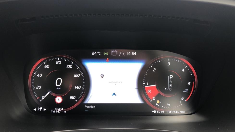 Volvo S90 D4 Inscription Auto, Nav, Winter Pack, Heated Screen, Heated Steering Wheel, DAB, Adaptive Cruise image 10