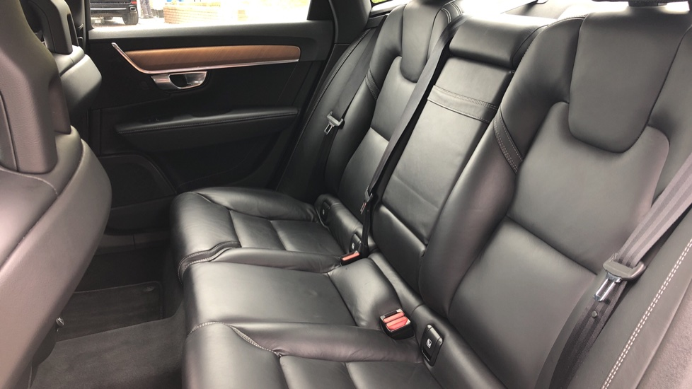 Volvo S90 D4 Inscription Auto, Nav, Winter Pack, Heated Screen, Heated Steering Wheel, DAB, Adaptive Cruise image 20