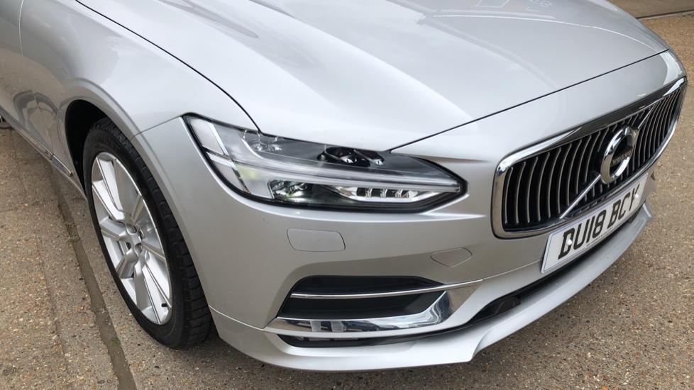 Volvo S90 D4 Inscription Auto, Nav, Winter Pack, Heated Screen, Heated Steering Wheel, DAB, Adaptive Cruise image 27