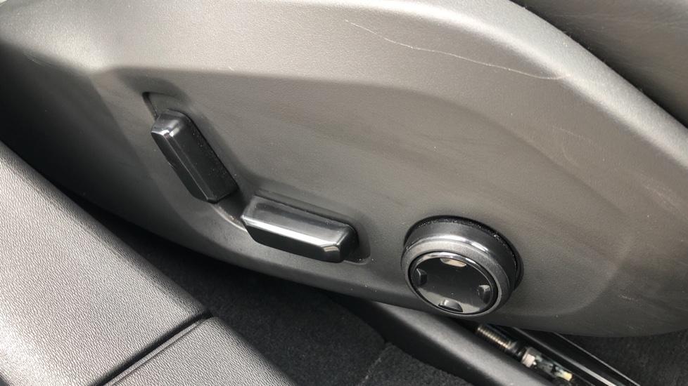 Volvo S90 D4 Inscription Auto, Nav, Winter Pack, Heated Screen, Heated Steering Wheel, DAB, Adaptive Cruise image 16