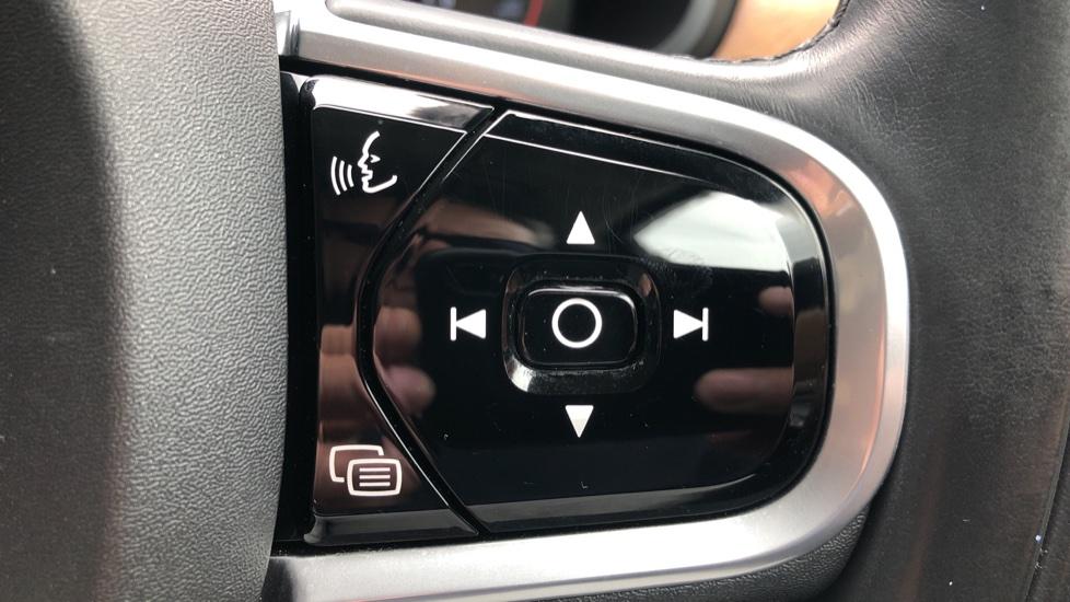 Volvo S90 D4 Inscription Auto, Nav, Winter Pack, Heated Screen, Heated Steering Wheel, DAB, Adaptive Cruise image 15