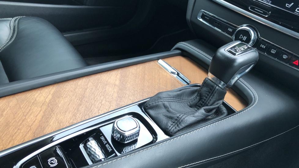 Volvo S90 D4 Inscription Auto, Nav, Winter Pack, Heated Screen, Heated Steering Wheel, DAB, Adaptive Cruise image 21