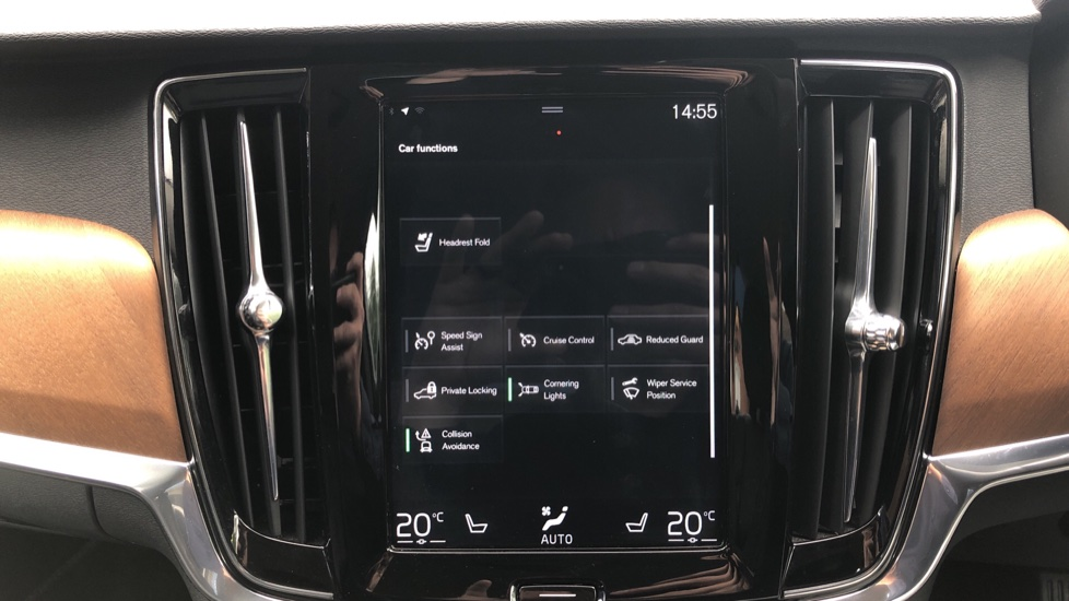 Volvo S90 D4 Inscription Auto, Nav, Winter Pack, Heated Screen, Heated Steering Wheel, DAB, Adaptive Cruise image 25