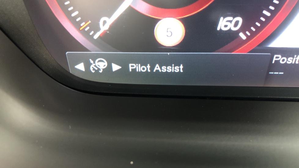 Volvo S90 D4 Inscription Auto, Nav, Winter Pack, Heated Screen, Heated Steering Wheel, DAB, Adaptive Cruise image 11