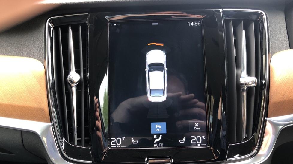 Volvo S90 D4 Inscription Auto, Nav, Winter Pack, Heated Screen, Heated Steering Wheel, DAB, Adaptive Cruise image 6