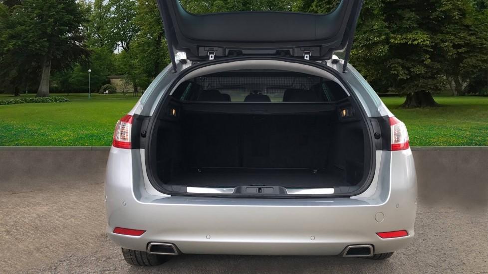 Peugeot 508 2.0 BlueHDi 180 GT 5 Door Estate Auto, Nav, Sunroof, Electric & Heated Front Seats, CarPlay, HUD image 4