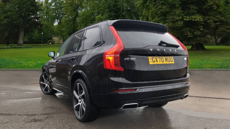 Volvo XC90 T8 Recharge PHEV R Design Pro AWD Auto, Lounge, Driver Assist & Climate Packs, B & W Audio image 2
