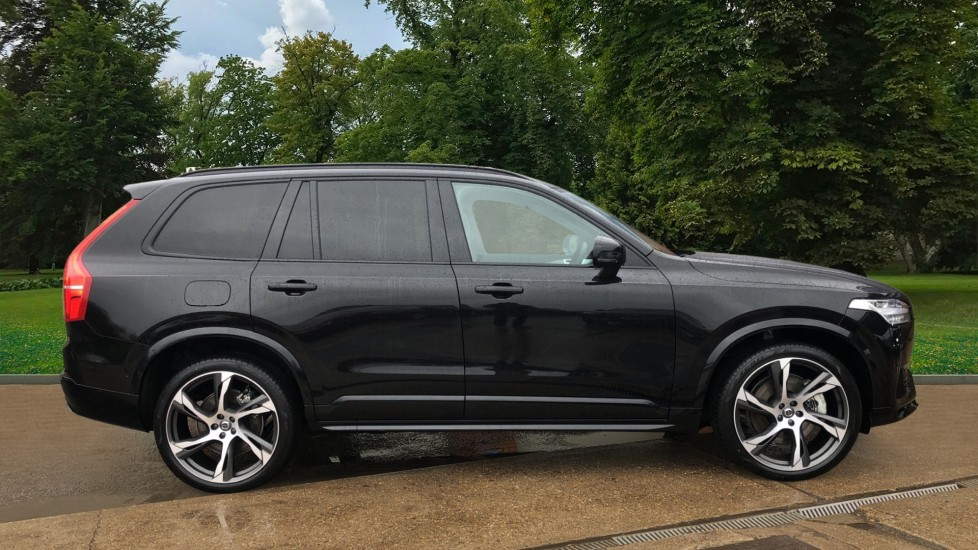 Volvo XC90 T8 Recharge PHEV R Design Pro AWD Auto, Lounge, Driver Assist & Climate Packs, B & W Audio image 4