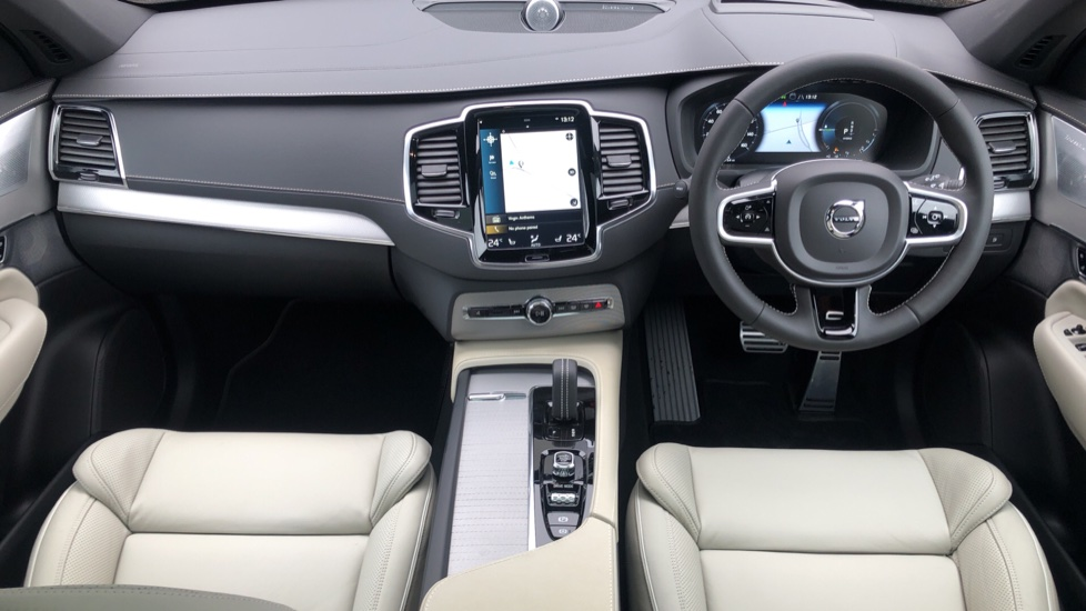 Volvo XC90 T8 Recharge PHEV R Design Pro AWD Auto, Lounge, Driver Assist & Climate Packs, B & W Audio image 6