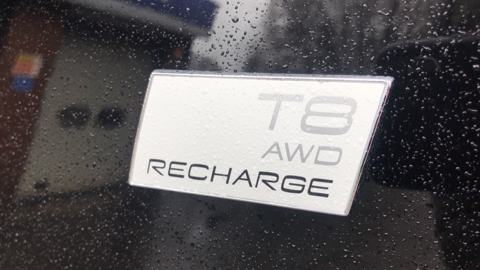 Volvo XC90 T8 Recharge PHEV R Design Pro AWD Auto, Lounge, Driver Assist & Climate Packs, B & W Audio image 18