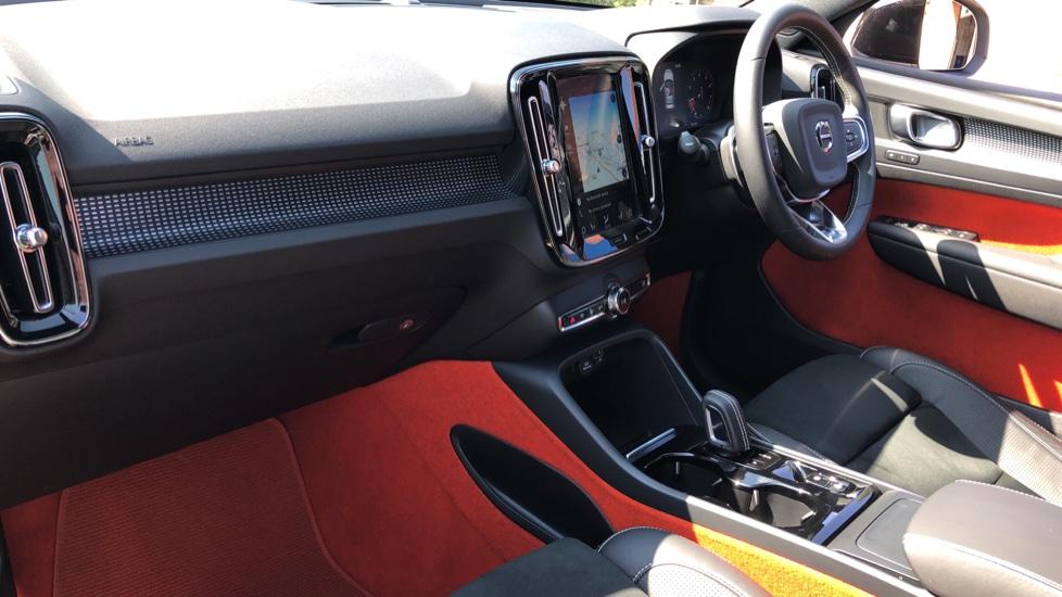 Volvo XC40 T5 AWD R Design Nav Auto with BLIS, Heated Screen, Keyless Entry, Rear Camera, Lava Carpets image 9