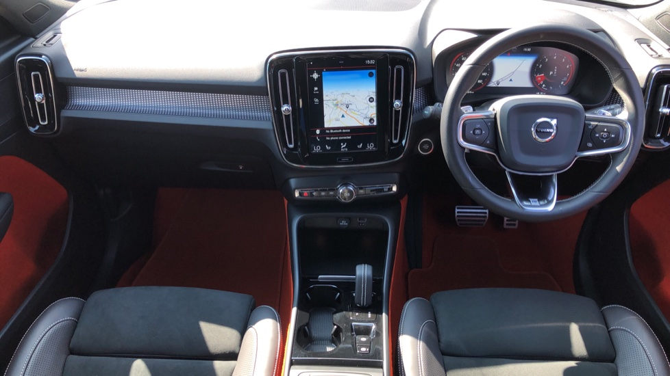 Volvo XC40 T5 AWD R Design Nav Auto with BLIS, Heated Screen, Keyless Entry, Rear Camera, Lava Carpets image 10