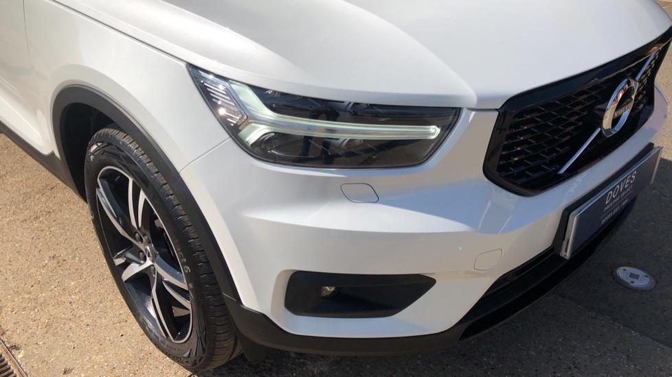 Volvo XC40 T5 AWD R Design Nav Auto with BLIS, Heated Screen, Keyless Entry, Rear Camera, Lava Carpets image 26