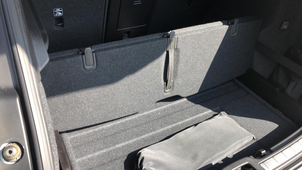 Volvo XC40 T5 AWD R Design Nav Auto with BLIS, Heated Screen, Keyless Entry, Rear Camera, Lava Carpets image 32