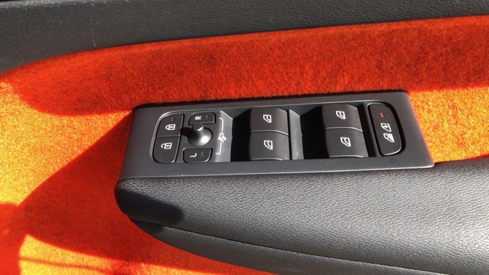 Volvo XC40 T5 AWD R Design Nav Auto with BLIS, Heated Screen, Keyless Entry, Rear Camera, Lava Carpets image 35